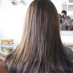ロング 冬 アッシュ トリートメント ヘアスタイルや髪型の写真・画像