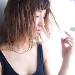 アッシュベージュ ボブ 透明感カラー フェミニン ヘアスタイルや髪型の写真・画像