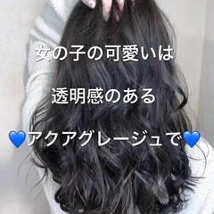 イルミナカラー セミロング コンサバ アッシュグレージュ ヘアスタイルや髪型の写真・画像