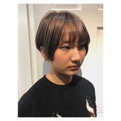 ブリーチ ミルクティーベージュ ショート アッシュベージュ ヘアスタイルや髪型の写真・画像