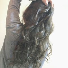 ロング ブリーチ アッシュ ストリート ヘアスタイルや髪型の写真・画像