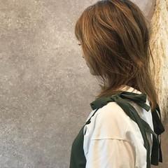 ゆるふわ アンニュイ オフィス ふわふわ ヘアスタイルや髪型の写真・画像