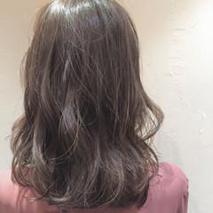 ミディアム ニュアンス ナチュラル 透明感 ヘアスタイルや髪型の写真・画像