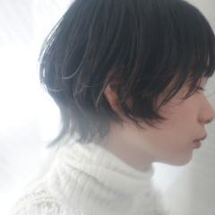 マッシュウルフ ウルフカット ショートボブ デート ヘアスタイルや髪型の写真・画像