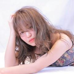ガーリー アッシュ パーマ ミディアム ヘアスタイルや髪型の写真・画像