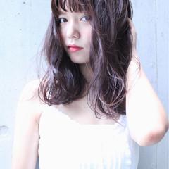 外国人風 パーマ セミロング ピュア ヘアスタイルや髪型の写真・画像