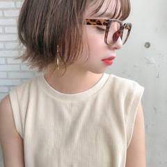 ミニボブ シースルーバング ベージュカラー インナーカラー ヘアスタイルや髪型の写真・画像