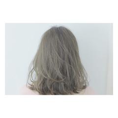 ラベンダー ラベンダーアッシュ ミディアム ストリート ヘアスタイルや髪型の写真・画像