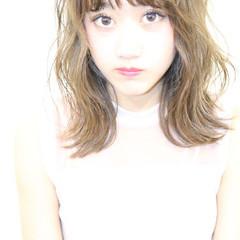 イルミナカラー 夏 ヘアアレンジ ハイトーン ヘアスタイルや髪型の写真・画像