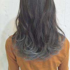 ストリート セミロング 大人女子 グラデーションカラー ヘアスタイルや髪型の写真・画像