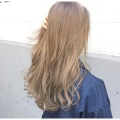 パーマ ニュアンス ウルフカット アッシュ ヘアスタイルや髪型の写真・画像