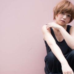 ショート ハイライト アッシュ ピュア ヘアスタイルや髪型の写真・画像