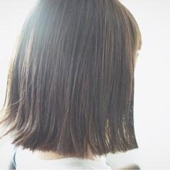 ミディアム グレージュ 外国人風カラー 切りっぱなし ヘアスタイルや髪型の写真・画像