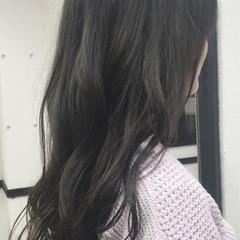 グラデーションカラー グレージュ アッシュ 暗髪 ヘアスタイルや髪型の写真・画像