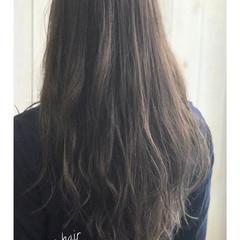 ナチュラル オフィス イルミナカラー リラックス ヘアスタイルや髪型の写真・画像