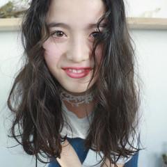 外国人風 ゆるふわ グレージュ ミディアム ヘアスタイルや髪型の写真・画像