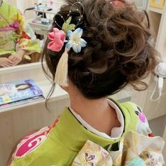 ヘアアレンジ セミロング 成人式 アップスタイル ヘアスタイルや髪型の写真・画像