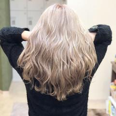 上品 ブリーチ ロング エレガント ヘアスタイルや髪型の写真・画像
