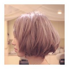 ハイトーン ストリート ボブ ミルクティー ヘアスタイルや髪型の写真・画像