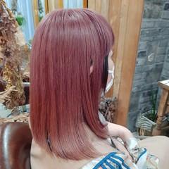 ミディアム フェミニン ミニボブ インナーカラー ヘアスタイルや髪型の写真・画像