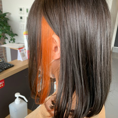 ガーリー ミディアム インナーカラーオレンジ オレンジカラー ヘアスタイルや髪型の写真・画像