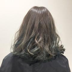 ストリート ハイライト セミロング アッシュ ヘアスタイルや髪型の写真・画像