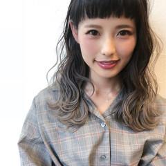 外国人風 ナチュラル オン眉 グラデーションカラー ヘアスタイルや髪型の写真・画像