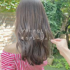 フェミニン ミルクティーベージュ グレージュ ロング ヘアスタイルや髪型の写真・画像