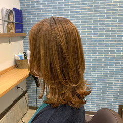 ナチュラル ミディアム ウルフカット オレンジベージュ ヘアスタイルや髪型の写真・画像
