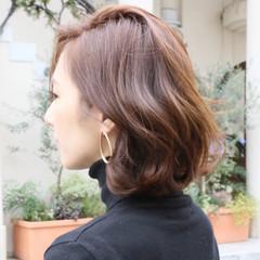 外ハネ 色気 ウェーブ ボブ ヘアスタイルや髪型の写真・画像
