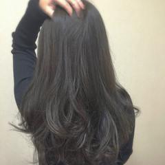 外国人風 グレージュ イルミナカラー 大人女子 ヘアスタイルや髪型の写真・画像