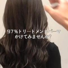 パーマ かき上げ前髪 前髪 セミロング ヘアスタイルや髪型の写真・画像