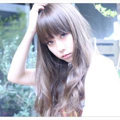 前髪あり アッシュ 外国人風 ロング ヘアスタイルや髪型の写真・画像