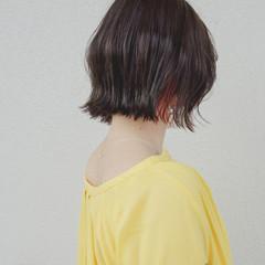 外ハネ インナーカラー 外ハネボブ 切りっぱなしボブ ヘアスタイルや髪型の写真・画像