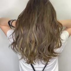 ナチュラル パーマ インナーカラー 髪質改善 ヘアスタイルや髪型の写真・画像
