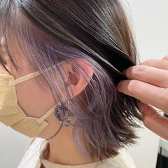 インナーカラー ラベンダー 切りっぱなしボブ ボブ ヘアスタイルや髪型の写真・画像