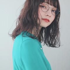 ミディアム 大人かわいい ナチュラル ミルクティーグレージュ ヘアスタイルや髪型の写真・画像