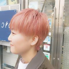ブリーチオンカラー ストリート ピンク ショート ヘアスタイルや髪型の写真・画像