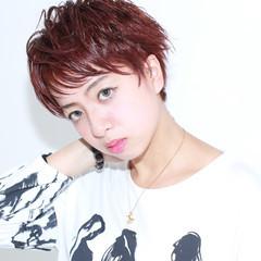 レッド ショート 外国人風 ピンク ヘアスタイルや髪型の写真・画像