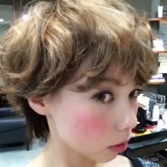 丸顔 大人かわいい 秋 ショート ヘアスタイルや髪型の写真・画像