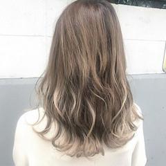 アッシュ アンニュイ セミロング 透明感 ヘアスタイルや髪型の写真・画像