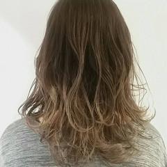 ガーリー 外国人風カラー グレージュ ハイライト ヘアスタイルや髪型の写真・画像