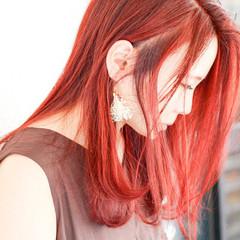 チェリーレッド オレンジカラー ミディアム アプリコットオレンジ ヘアスタイルや髪型の写真・画像