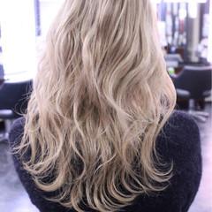 金髪 大人女子 セミロング かっこいい ヘアスタイルや髪型の写真・画像
