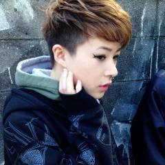 大人女子 ショート ストリート 刈り上げ ヘアスタイルや髪型の写真・画像