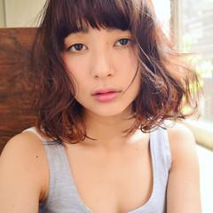 ミディアム フェミニン ゆるふわ 前髪あり ヘアスタイルや髪型の写真・画像