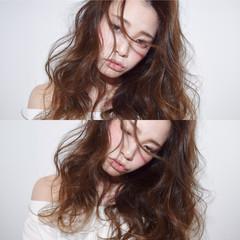 外国人風 セミロング ゆるふわ グラデーションカラー ヘアスタイルや髪型の写真・画像