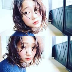 ミディアム 黒髪 ガーリー シースルーバング ヘアスタイルや髪型の写真・画像