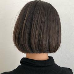 ボブ 切りっぱなしボブ ナチュラル ブルーブラック ヘアスタイルや髪型の写真・画像