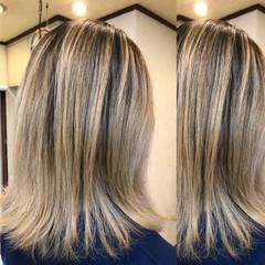 外国人風カラー ミディアム バレイヤージュ ブリーチカラー ヘアスタイルや髪型の写真・画像